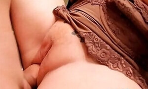 Mommy with wet pussy enjoying hardcore fucking