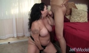 Heavyweight honey Alexis Couture pleases this guy's cock AnalDin