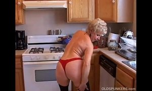 Very sexy grandma has a soaking wet pussy xVideos