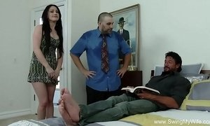 Swinger Husband Gives His Wife Away xVideos