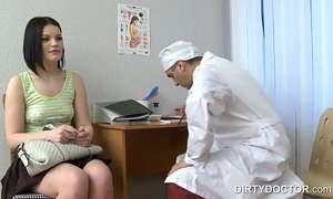 Russian ginecologist seducing babe xVideos