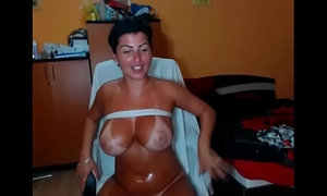 Sexy girl with sunburn skin masturbating alone on webcam xVideos