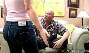 Cute chubby MILF gives a great blowjob xVideos