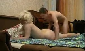 Well hung lad gives mature woman a good missionary orgasm