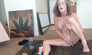 Pretty Busty Mature Squirting On Live