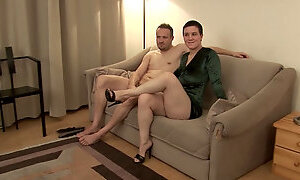 All natural brunette with plump belly gets her twat hammered missionary