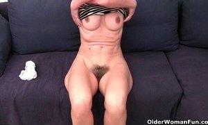 Grandma Emanuelle's pussy looks so inviting xVideos