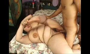 guy fucks pretty fatty xVideos
