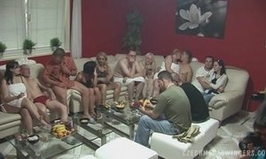 BIGGEST MATURE SWINGERS PARTY xVideos