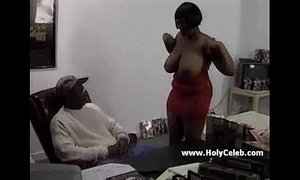 Ebony mama comes for a casting xVideos