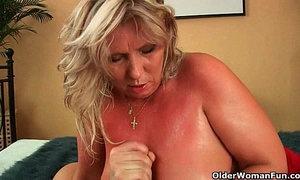 Big mature tits get a cum glazing xVideos
